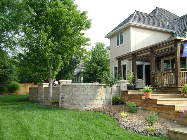 Retaining Wall Design & Installation Services in Lawrence, Kansas